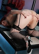 Sexy tgirl Wendy strips & spreads