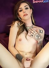 Beautiful tgirl Annabelle Lane has sexy body, kissable lips, a beautiful face and a set of naughty skills!