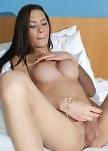 Teen Tranny Kayla Diniz Have some Afternoon Fun with an Anal Toy