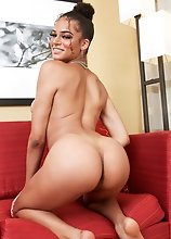 Busty black tgirl Paris Bleu loves to twerk her juicy ass! Watch her stripping, posing and showing off what she has in this smashing solo scene!