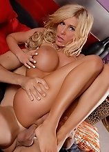 Sweet Blondie Kimber James Gets Boned